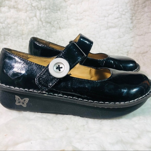 Algeria Black patent leather maryjane shoes